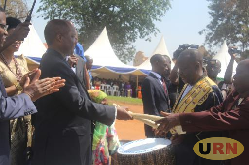Kabaka Mutebi hands over Bulungi bwansi drums to his subjects today at Old Kampala Secondary School Playground.